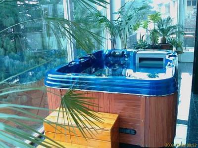 Chambre de luxe avec jacuzzi pension kalmar budapest - Chambre de luxe avec jacuzzi ...
