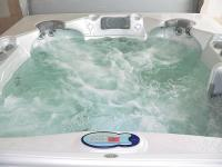 Discount hotelroom with jacuzzi in Mogyorod, near Budapest - Hotel Laguna Pension - hotel close to the Hungaroring circuit