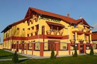 Hotel Royal Pension - discount accommodation in Cserkeszolo at the thermal bath