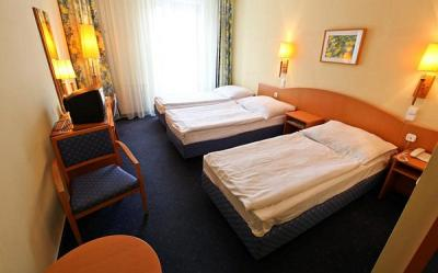 Triple room of Hotel Sissi - 3-star hotel in the downtown of Budapest - Sissi Hotel Budapest - discount hotel in the centre of Budapest