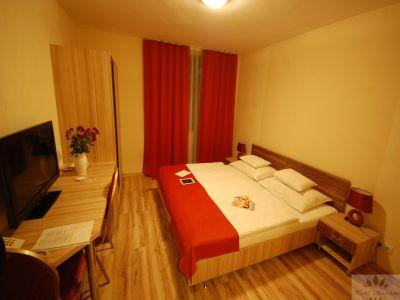 Spacious hotelroom in Kispest in Hotel Sunshine with affordable prices - Hotel Sunshine Budapest - cheap hotel next to Kobanya-Kispest suwbay stop in Budapest