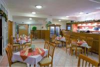 3* Thermal Hotel Mosonmagyarovar's restaurant with delicacies