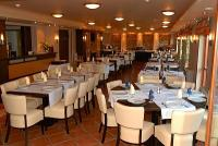 To Hotel elegant restaurant at Bank with special packages