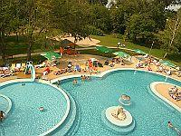 Siofok wellnesshotel azur becken und freizeit hotel azur for Billige schwimmbecken
