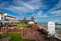 Yacht Wellness Hotel Siófok with half board and wellness services