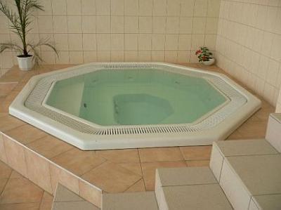 Construcci n instalaci n mantenimiento de saunas y for Construccion de piscinas en lima